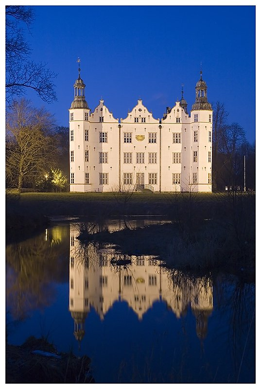 Schloss-Ahrensburg.jpg